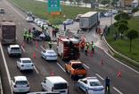 Bolu'da TIR'a çarpan lüks araç hurdaya döndü 1 ölü 1 yaralı