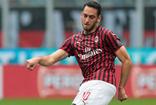 Hakan Çalhanoğlu'ndan Milan'a kötü haber