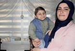 İzmir'de 8 yaşındaki Burak doğumundan bugüne kadar sadece 35 santimetre uzadı