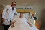 Elazığ'da  ilk defa uygulanan yöntemle 78 yaşındaki hasta mesane taşı ve 80 gram prostatından kurtuldu