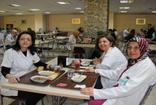 Afyonkarahisar'da hastanenin bugünkü öğle yemeği üzüm hoşafı , buğday çorbası ve yarım ekmek
