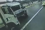 Maltepe'de cezaevine tutuklu götüren polis aracına kamyonet çarptı: 1 polis memuru yaralandı