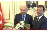 İstanbul Büyükşehir Belediye Başkanı seçilen Ekrem İmamoğlu, devir teslim töreni için İstanbul Büyükşehir Belediye binasında