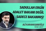 """Akit yazarından Sadullah Ergin'e sert sözler:  Babacan'ın adalet bakanı adayı sadece """"bakan"""" imiş!"""