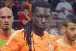 Galatasaray'da peş peşe 2 ayrılık: Gomis sonra Maicon da Al Hilal'da