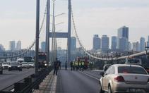 15 Temmuz Şehitler Köprüsünde otomobili yakan kişi intihar etti