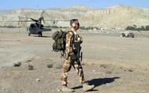 Erkek ordu mensuplarının makyaj yapma ve oje sürmesine izin!
