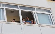 Çocukları sevindiren sürpriz! Evlerine drone'la gönderildi