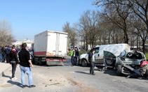 Çerkezköy'de freni boşan kamyonet 5 araca çarptı: 2 yaralı