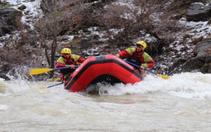 Sporcular, Zap Nehri'nde rafting yaparak şampiyonlara hazırlanıyor
