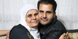 Yıllar sonra evlatlık olduğunu öğrendi 33 yıl sonra annesiyle bir araya geldi