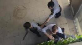 Güvenlik görevlileri stajyer doktora saldırdı! Site sakinini copla dövdüler