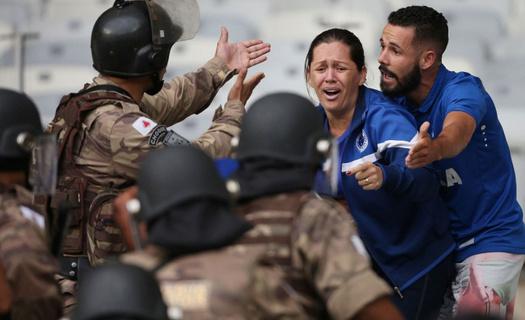 Cruzeiro tarihinde ilk kez küme düştü ortalığı savaş alanına döndü