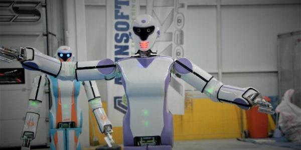Konyalı robot, 'Erik Dalı' ile coşuyor
