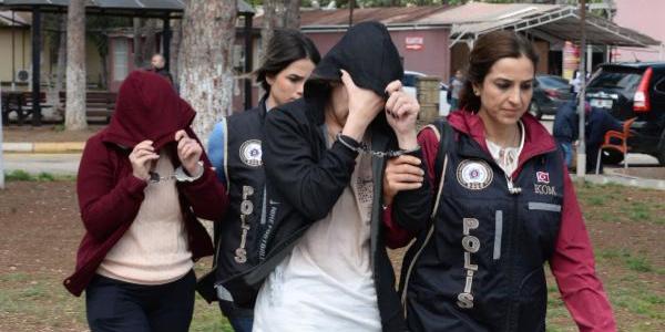 Adana'da takım elbiseli dilenciyle bankadan 3 milyon liralık vurgun