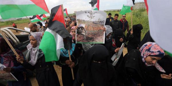 """İsrail askerleri Filistin'in """"Toprak Günü""""nü kana buladı : 7 ölü, 500 yaralı"""
