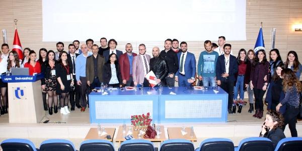 Uşak'ta iş dünyası temsilcileri ile öğrenciler bir panelde buluştu