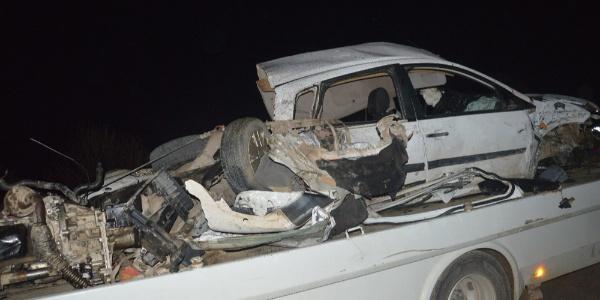 Manisa Saruhanlı'da refüjü aşan otomobil dehşet saçtı: 1 ölü, 2 yaralı