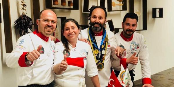 İspanya'da Türk mutfağının gururu oldular
