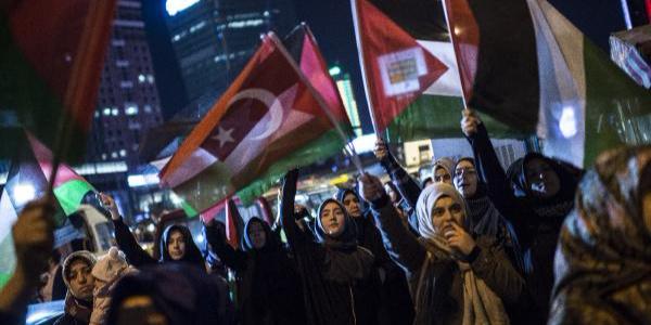 İsrail'in Gazze'deki katliamına İstanbul'da büyük tepki