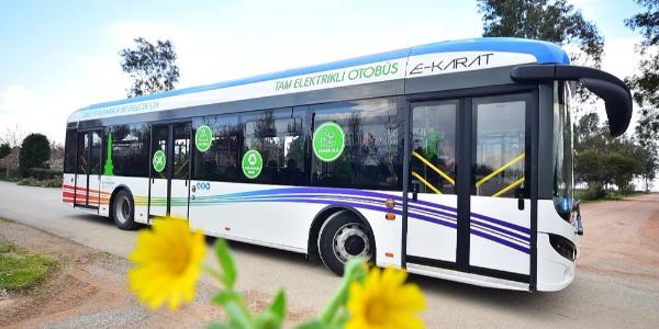 İzmir'de tam elektrikli 20 otobüs enerjiyi güneş panellerinden alacak