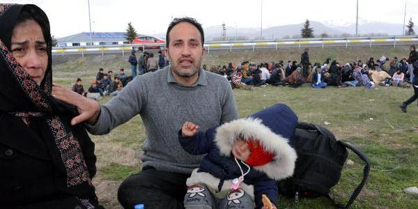 İran'da  2 yaşındaki mülteci çocuğun sütü bile gaspedildi