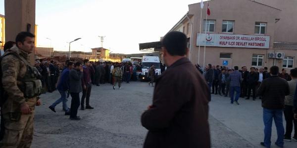 Diyarbakır Kulp'taki hain saldırıda bir korucu şehit oldu