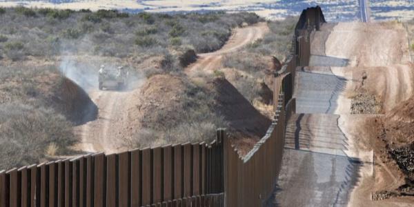 Trump, duvar örülene kadar sınıra asker yerleştirecek