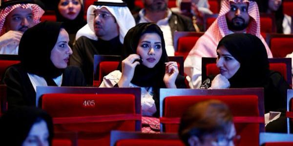 Suudi Arabistan'da sinemaya kadın-erkek karışık düzenlemesi