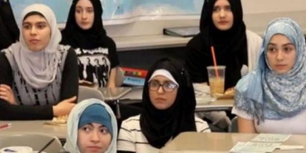 Almanya'da 14 yaşından küçük kızlara okulda başörtüsü yasağı