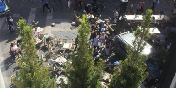 Almanya'da kamyonetli katliam: En az 3 ölü, 30 yaralı