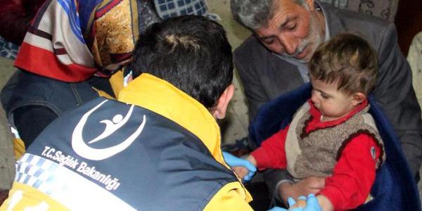 2 yaşındaki Ege, 12 saat sonra arazide uyurken bulundu