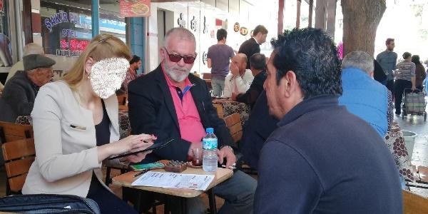 Banka temsilcileri müşteri bulmak için kahvehaneleri dolaşıyor