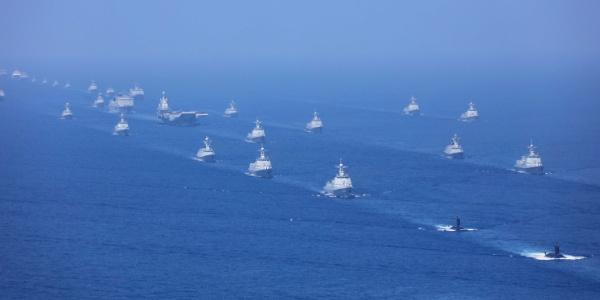 Çin'den 48 gemi ve 76 uçakla dev geçit töreni