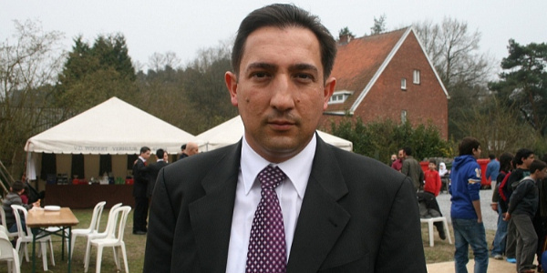 Belçika'da ifadeye çağrılan Türk kökenli belediye başkan yardımcısı görevi bıraktı