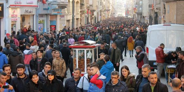 İstanbul'a göç dalgası durmuyor: Son bir yılda 1 yılda yarım milyon daha