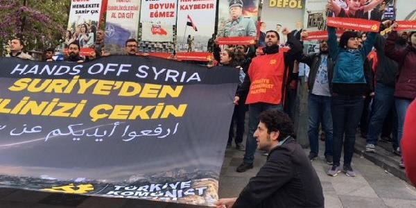 Kadıköy'de Suriye'ye yönelik operasyona protesto