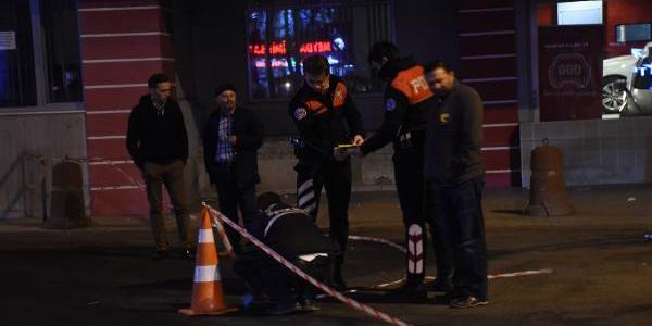 Sarıyer'de eski kahya taksi durağında dehşet saçtı: 2 yaralı