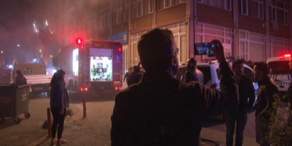 Kadıkiöy'de çıkan yangın için sosyal medyada canlı yayın yarışına girdiler