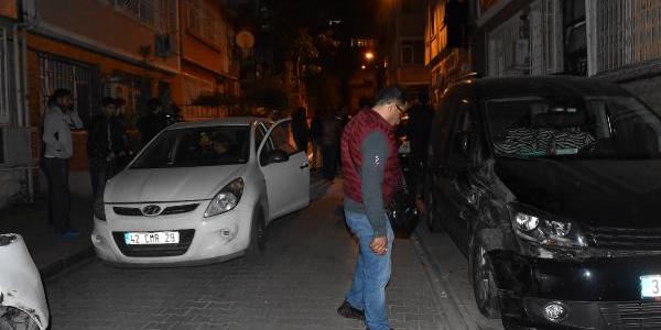 Fatih'te ara sokağa giren TIR 6 aracı ezip geçti