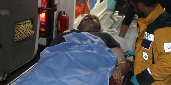 Konya'da husumetli akrabalar yolu paylaşamadı: 3 yaralı