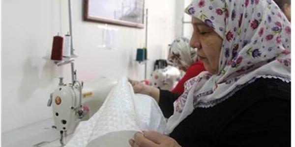 Diyarbakır'da yaşı küçük diye kursa alınmayan genç kız onlarca kadına umut oldu