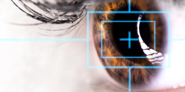 iki ayrı gözlük işlevi gören göz içi lenslere büyük ilgi