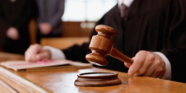 Duruşmaya katılmayan mağdur için avukatının dosyayı temyiz etmesine Yargıtay freni