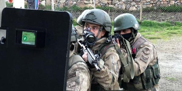 Van ve Bursa'da PKK'ya yönelik operasyonda 14 kişi gözaltına alındı