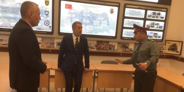 Genelkurmay Başkanı Orgeneral Hulusi Akar, Özbek bakanla görüştü