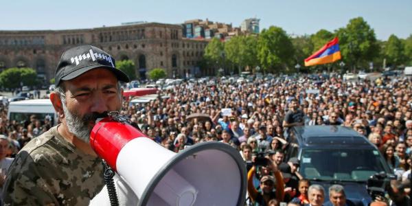 Parlamentodan destek bulamayan Paşinyan Ermenistan halkını greve çağırdı