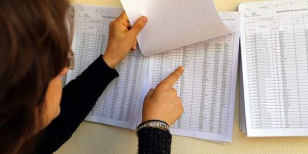 YSK'nın hazırladığı seçmen listeleri muhtarlara teslim edildi