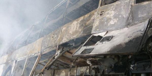 Hindistan'daki otobüs kazası toplu katliama dönüştü: 27 ölü