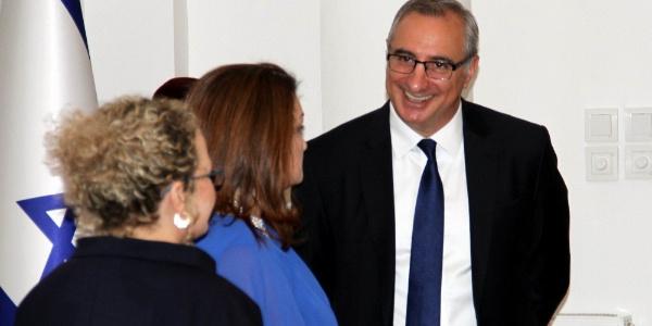 """İsrail Milli Günü Resepsiyonu'nda büyükelçi  """"10 Emir""""in yanına inovasyonu da ekledi"""